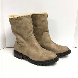 Rocket Dog boots women's 10 fold down option